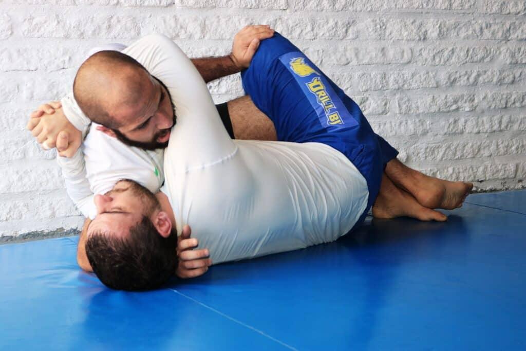 no gi vs gi jiu jitsu